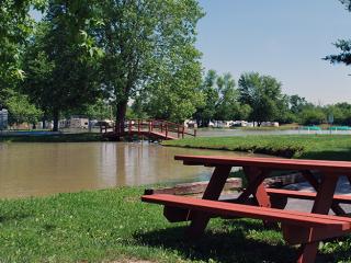 Cherokee Lakes - Small Pond